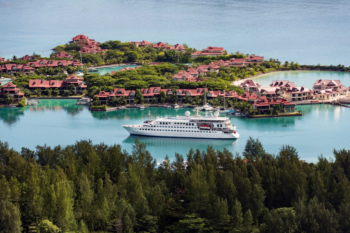 YACHTING THE SEYCHELLES ISLANDS ON CRYSTAL ESPRIT – Hot Topics in Medical, Dental & Public Health Issues